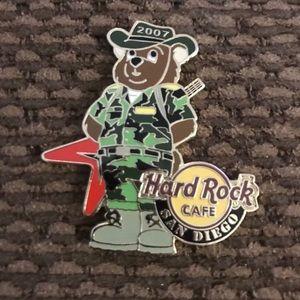 HARD ROCK CAFE SAN DIEGO 2007 MILITARY BEAR